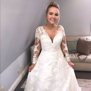Pronovia's Elema Wedding Dress